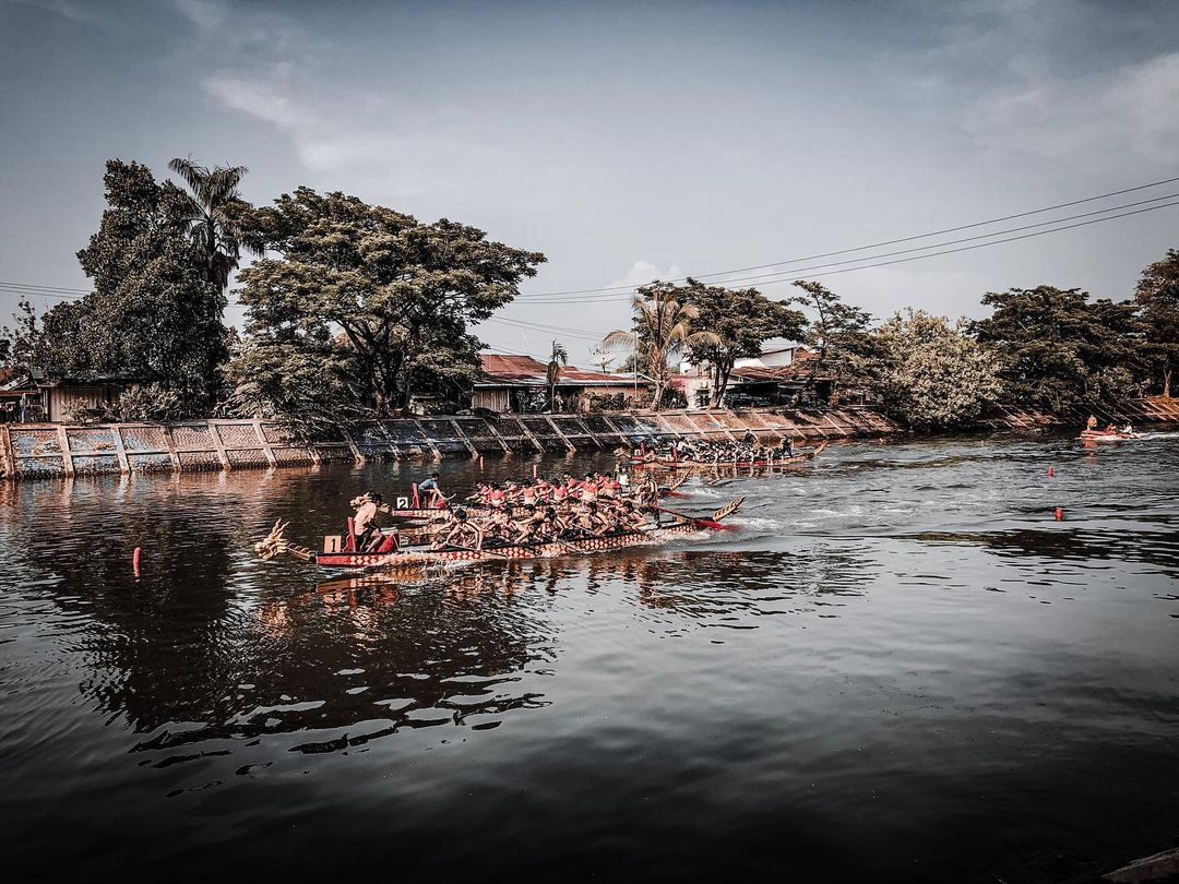Padang dragon boat
